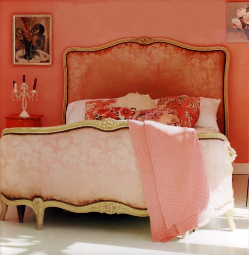 V Day - pink bedroom