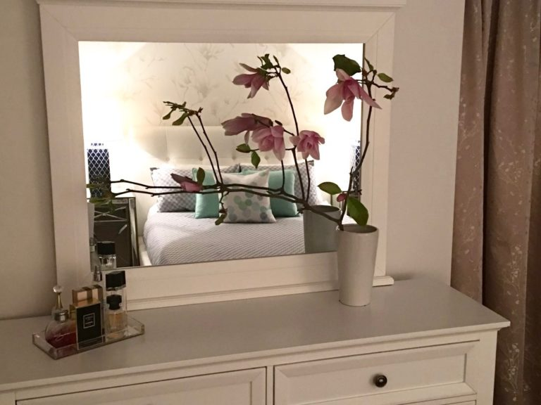 Dressing table reflection